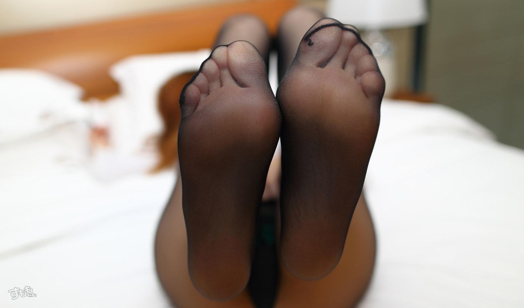 蒸れた足裏をペロペロ舐めたい!