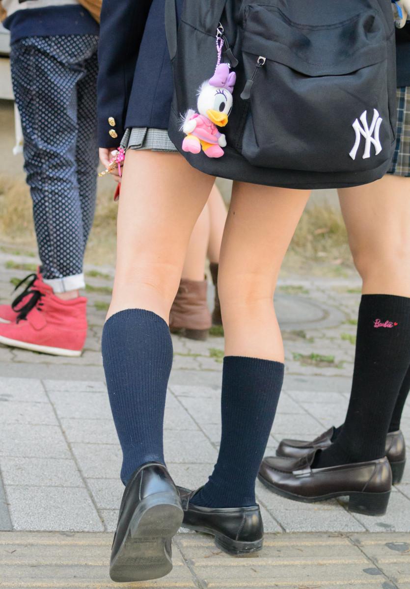 スラっとした綺麗な足がエロい!