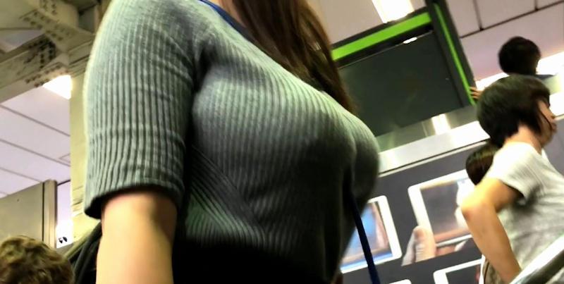 着衣巨乳を至近距離から見たらムラムラする!