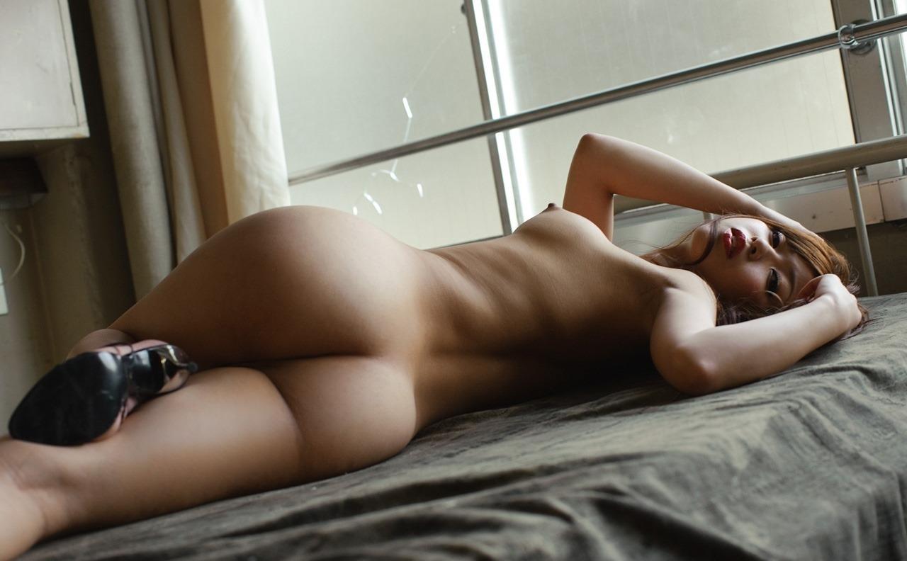 クビレと美尻がセクシーでたまらない!