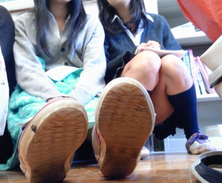 同級生が撮った普段の日常の様子がエロい!