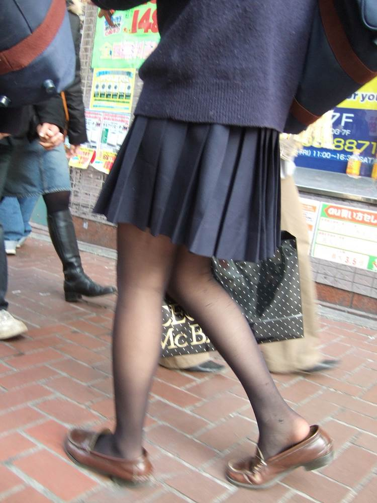 制服JKの黒パンストの組み合わせは最高!