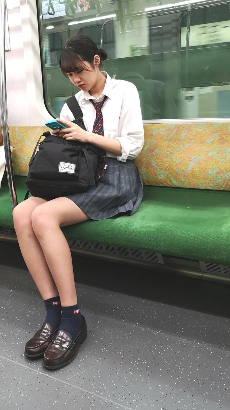 スレンダーすぎる女子校生を隠し撮り!
