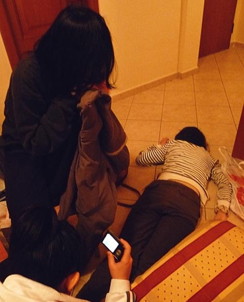 酔っ払って寝ている所を写真に収める!