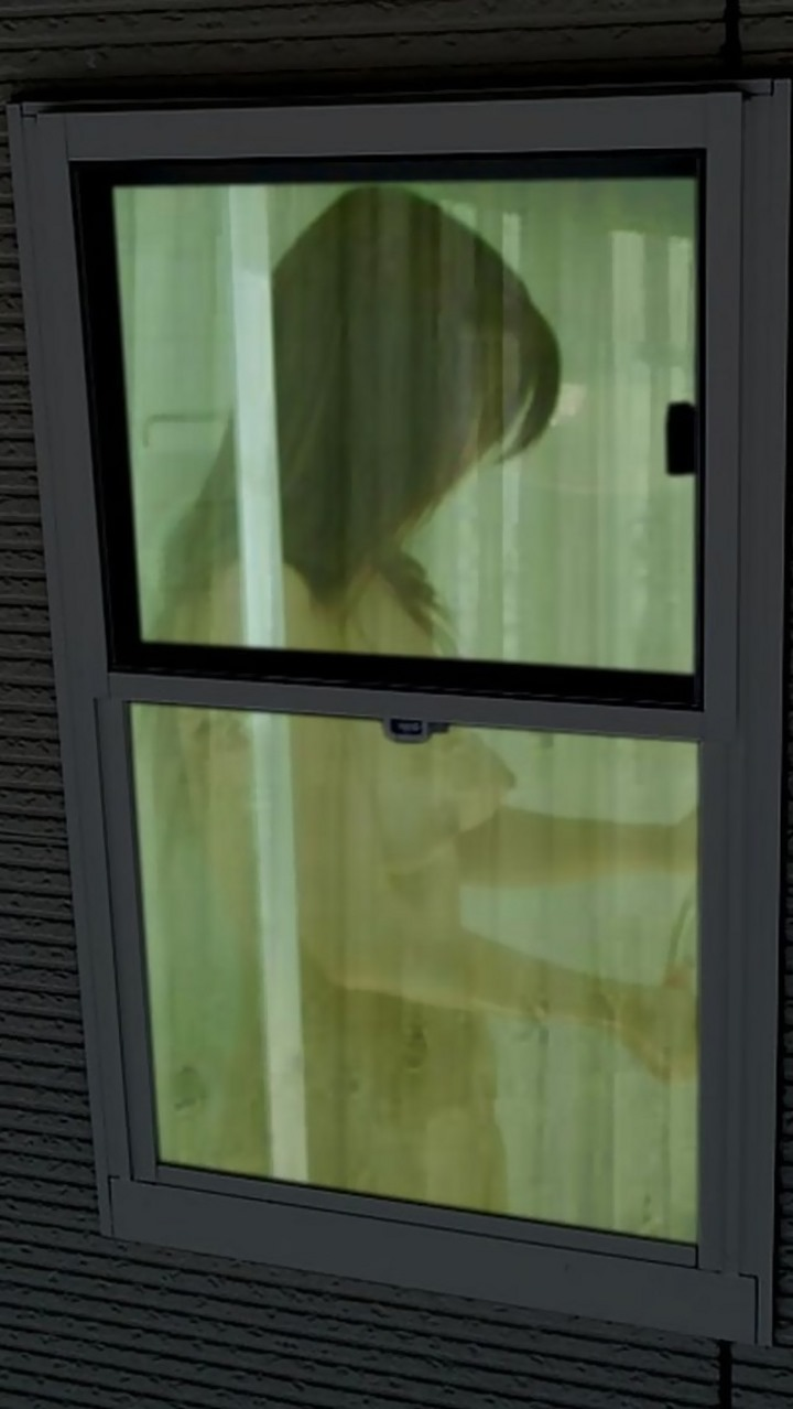 デカパイ女性の裸体を隠し撮り!