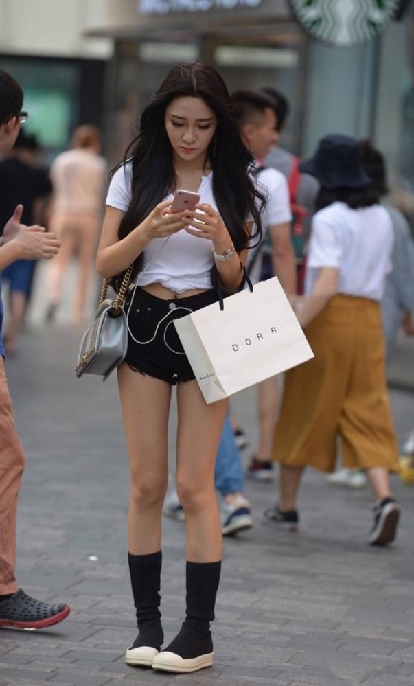 色っぽい女性の美脚がセクシーすぎる!