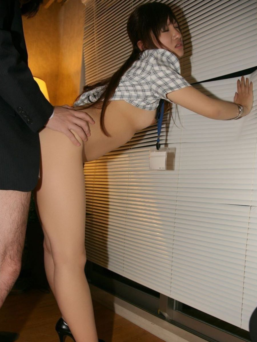 こんなOLさんと着衣セックスしたい!