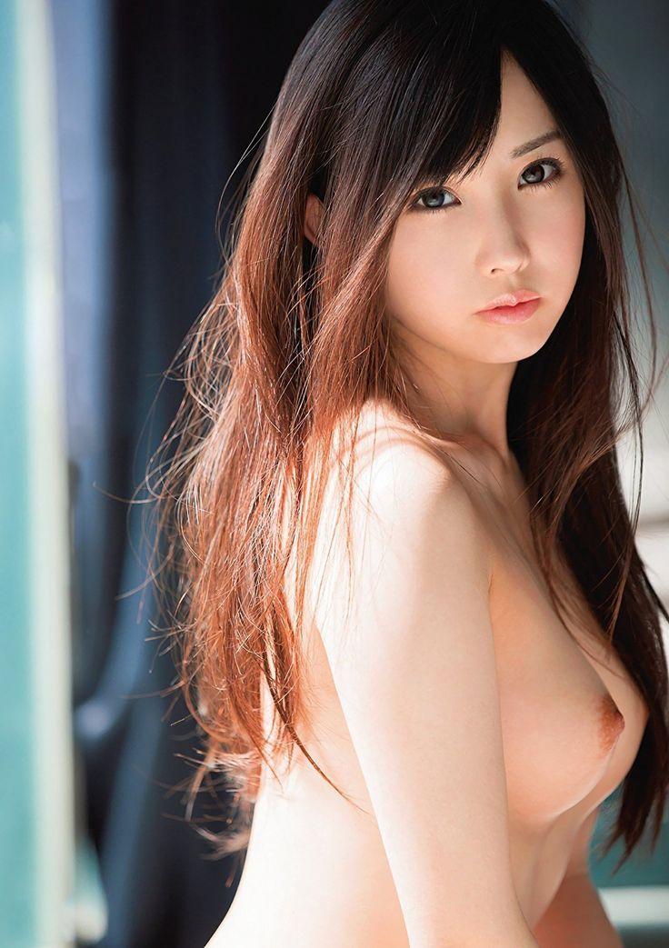 美人過ぎる女性の素晴らしい巨乳!