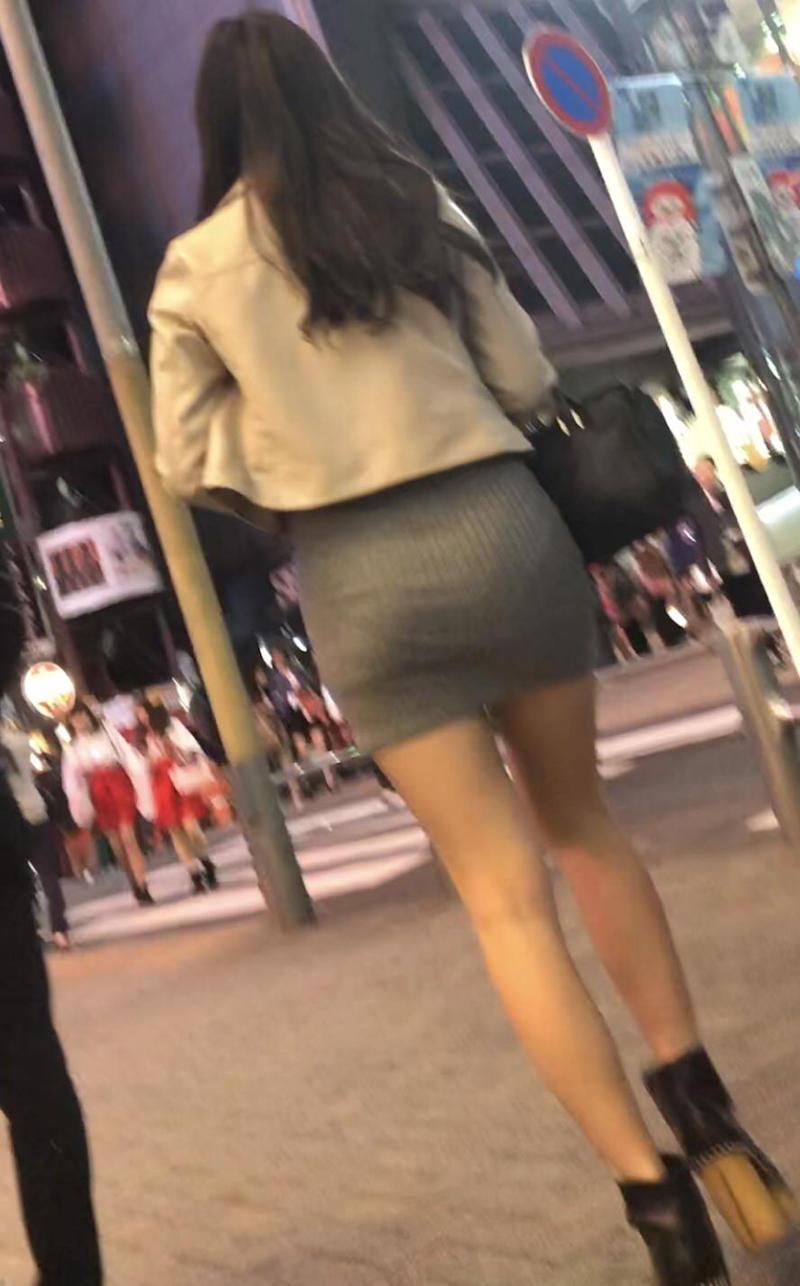細すぎる体型の素人女性のパンツ!