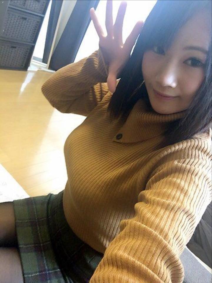 激カワお姉さんの着衣おっぱい!