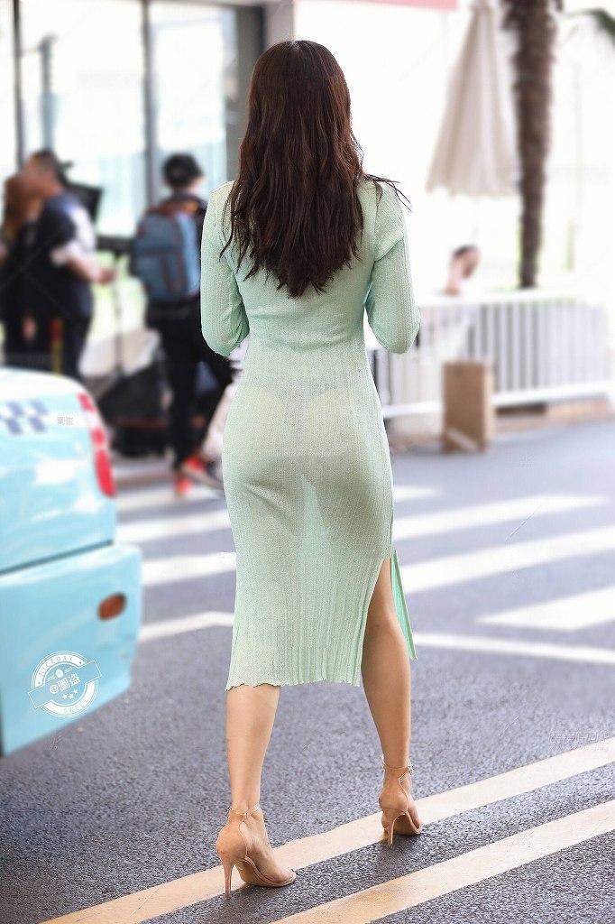 スタイル抜群の美人女性の透けパン!