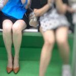 【電車美脚盗撮エロ画像】素人さんの綺麗な足を眺めることが出来る場所…色気が凄い女性ばかりだな!