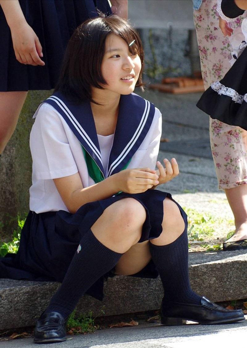 可愛らしい女子校生のパンチラ最強!
