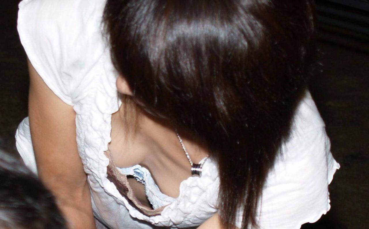 お乳とブラを同時に隠し撮りした!