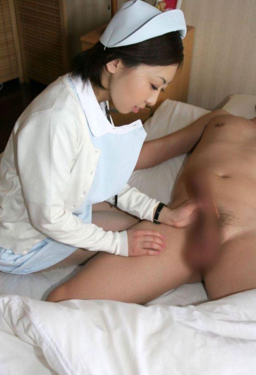 清楚な看護師さんが丹念に奉仕!