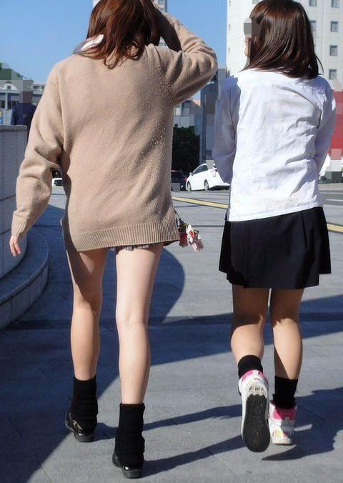 JKちゃんの色白の生足がやっぱりいいね!