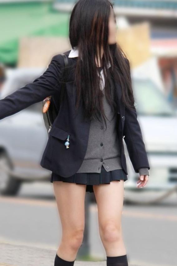 女子校生の生足がエロくて盗撮した!