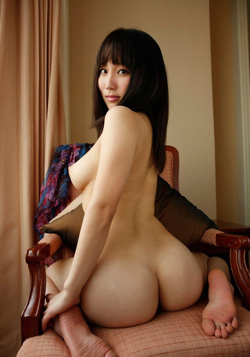 清楚な美女の巨乳と巨尻がいいね!
