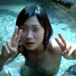 【温泉旅行エロ画像】露天風呂に入浴中に友だちの全裸ヌードを撮影…男は歓喜するよwww