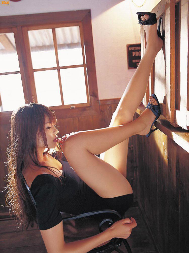 生足が綺麗過ぎる激カワ女性!