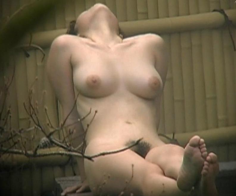 ヌードモデル見たいな体型の女性!