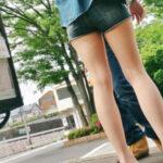 【ホットパンツエロ画像】美脚女性が履いてると嫌でも見てしまうな…健康美がセクシーなんだよ!