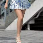 【ミニスカエロ画像】街中で脚の綺麗な美女を発見…俺のことを誘ってんじゃねwww