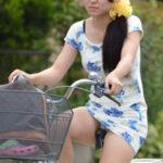 【自転車パンチラ盗撮エロ画像】街で目撃すると無意識にエロ目線を送ってしまうでしょう!