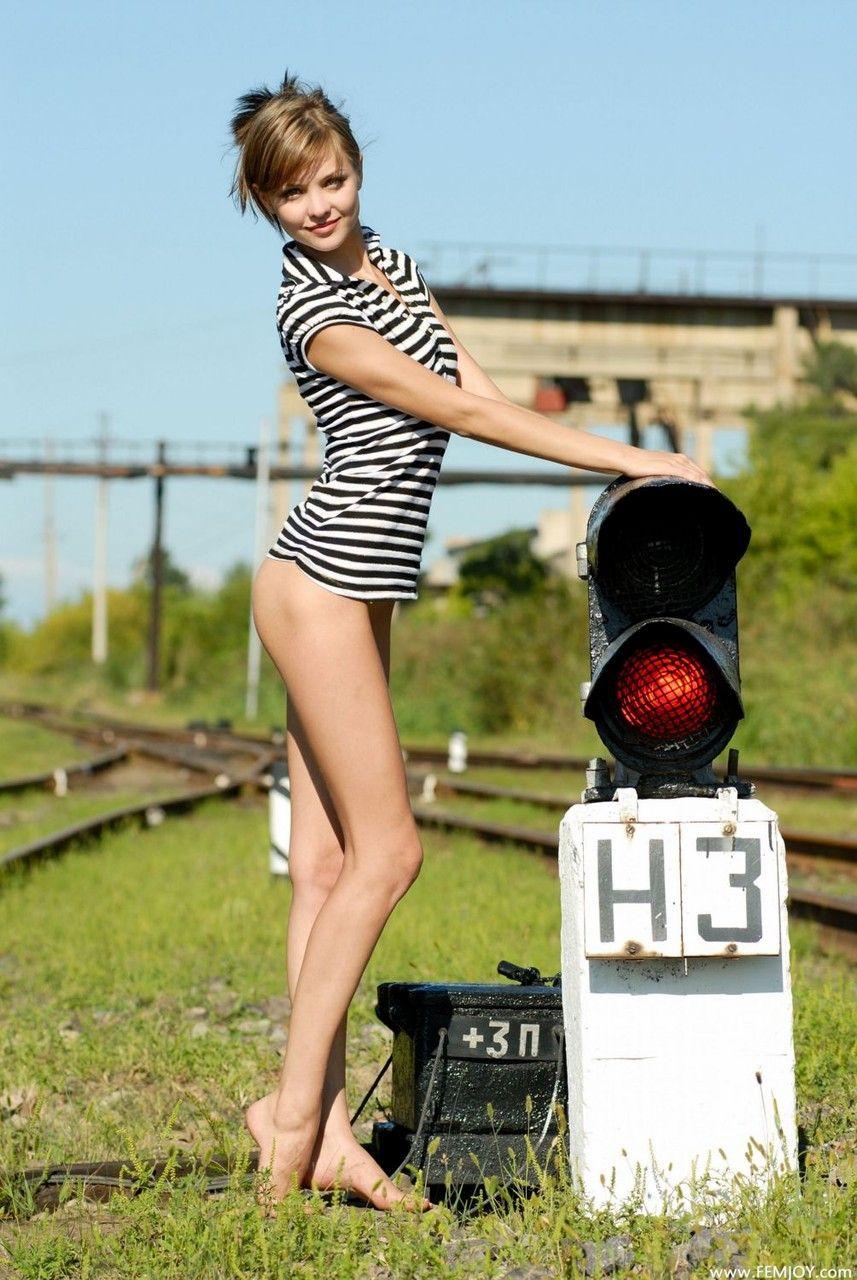 海外女性の完璧な美脚を堪能!