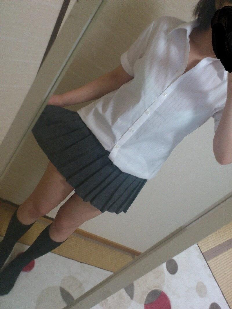 自撮り_JK_制服_エロ画像