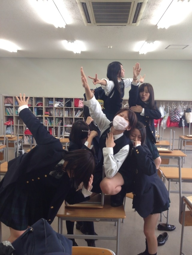 JK_おふざけ_悪ノリ_エロ画像